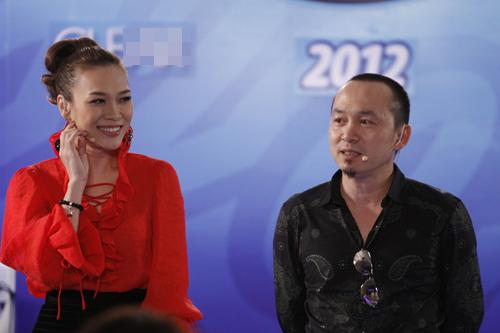 Vietnam Idol: Cuộc chiến 1 chọi 4 - 1