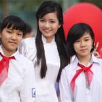Bạn trẻ - Cuộc sống - Cô giáo Hồng Anh rạng rỡ bên học trò