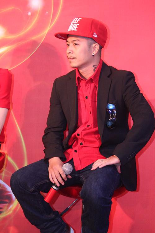 Hà Hồ chung ghế nóng với Thái Y Lâm - 4