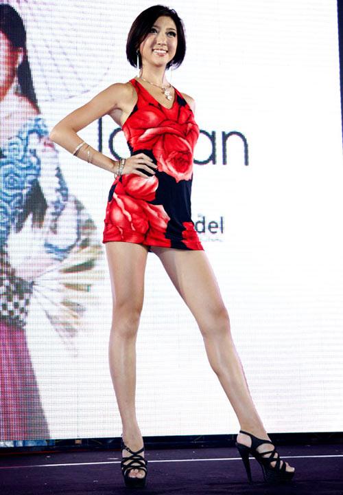 Ngọc Oanh đoạt giải 3 Siêu mẫu Quốc tế - 16