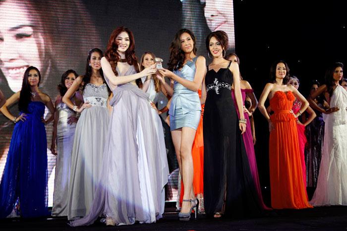 Ngọc Oanh đoạt giải 3 Siêu mẫu Quốc tế - 10