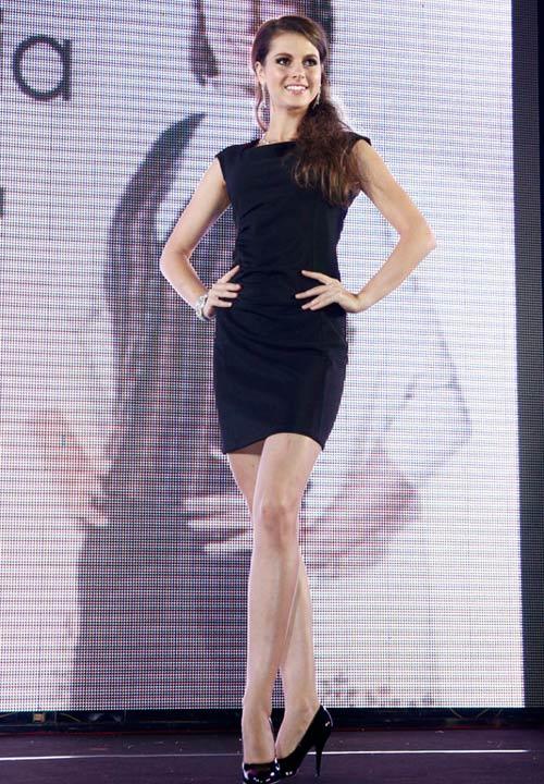 Ngọc Oanh đoạt giải 3 Siêu mẫu Quốc tế - 17