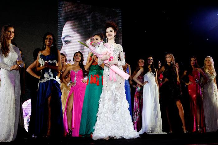 Ngọc Oanh đoạt giải 3 Siêu mẫu Quốc tế - 11