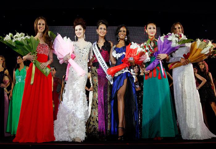 Ngọc Oanh đoạt giải 3 Siêu mẫu Quốc tế - 12