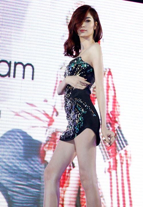 Ngọc Oanh đoạt giải 3 Siêu mẫu Quốc tế - 1
