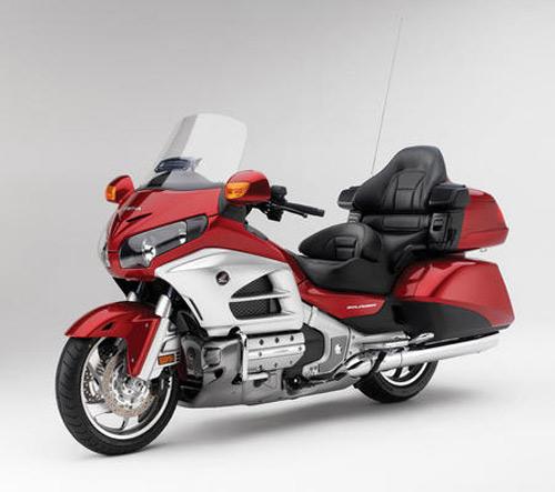 Điểm mặt xe máy khủng của Honda 2013 - 1