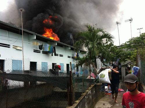Cháy kinh hoàng tại KCN Sóng Thần-Bình Dương - 6
