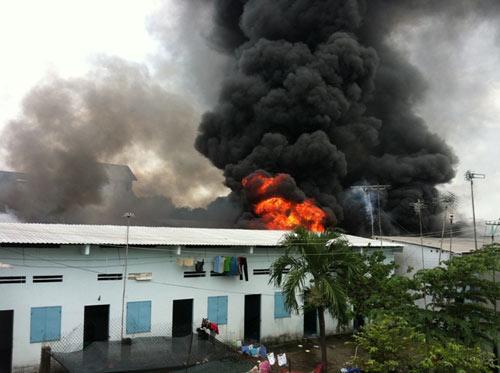 Cháy kinh hoàng tại KCN Sóng Thần-Bình Dương - 7