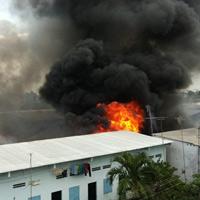 Cháy kinh hoàng tại KCN Sóng Thần-Bình Dương
