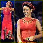 Ca nhạc - MTV - Rihanna mặc áo dài xuyên thấu nhảy sexy