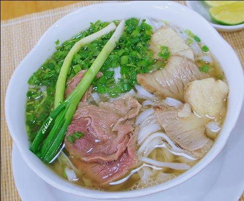12 món ăn Việt mang giá trị ẩm thực châu Á, Ẩm thực, mon an Viet, mon an, pho ha noi, bun cha ha noi, bun bo hue, banh da cua hai phong, com chay ninh binh, goi cuon sai gon, am thuc, mon ngon de lam, mon ngon