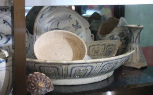 Quảng Ngãi: Mò cổ vật trong xác tàu đắm - 3