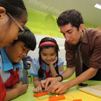 Một trường 3-4 chương trình tiếng Anh