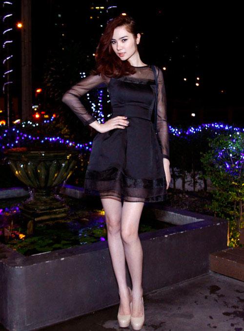 Siêu mẫu Ngọc Oanh mặc gì cũng đẹp - 5