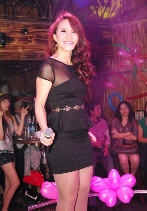 Vợ Phan Đinh Tùng ngày càng xinh đẹp - 10