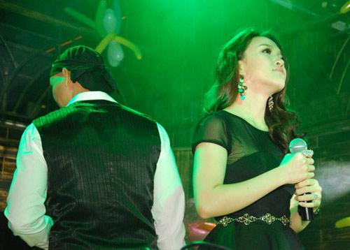 Vợ Phan Đinh Tùng ngày càng xinh đẹp - 8