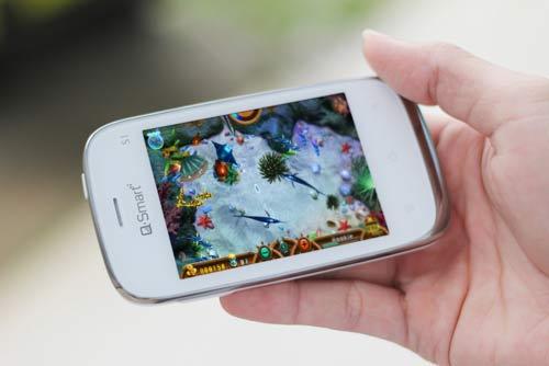 """Cùng """"soi"""" smartphone Q-Smart S1 - 3"""