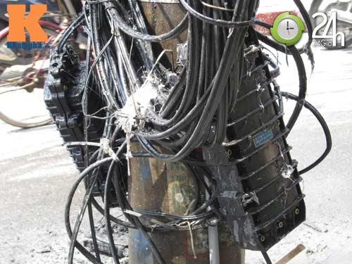 Hà Nội: Cháy cột điện, người dân hoảng loạn - 5