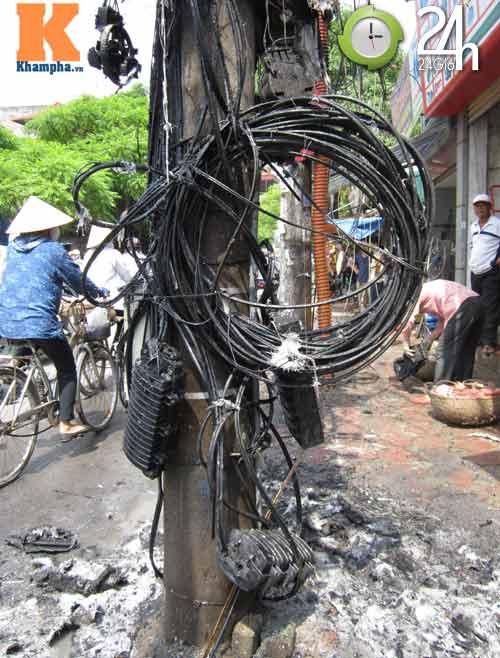 Hà Nội: Cháy cột điện, người dân hoảng loạn - 3