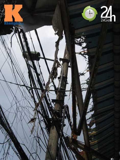Hà Nội: Cháy cột điện, người dân hoảng loạn - 6