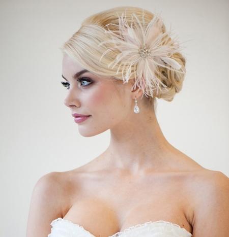 Tóc búi lãng mạn cho cô dâu 2012 - 11