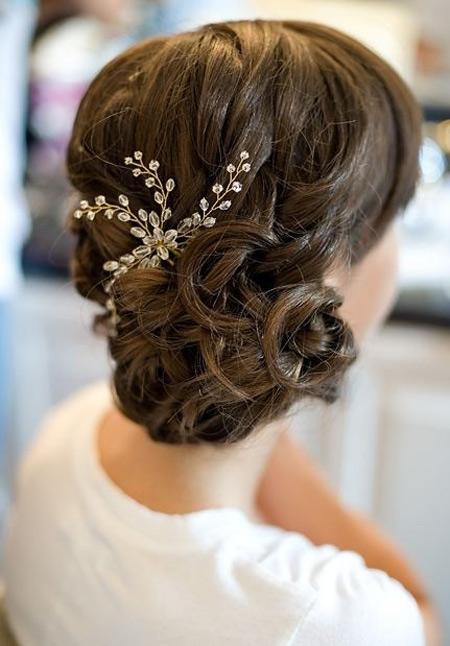Tóc búi lãng mạn cho cô dâu 2012 - 14