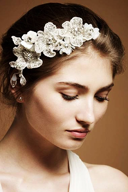 Tóc búi lãng mạn cho cô dâu 2012 - 6