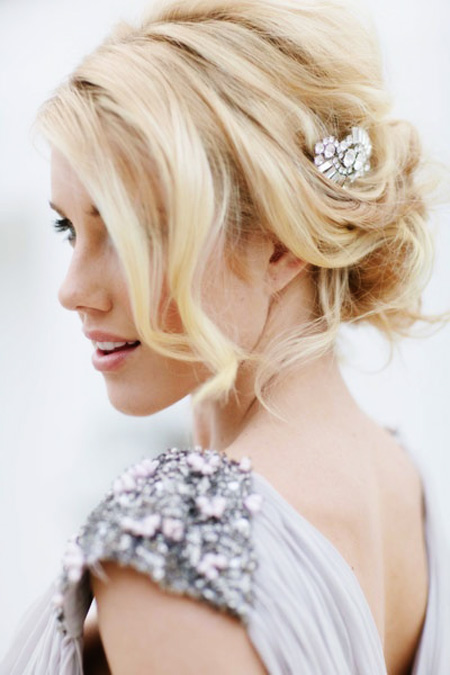 Tóc búi lãng mạn cho cô dâu 2012 - 7