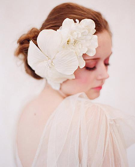Tóc búi lãng mạn cho cô dâu 2012 - 8