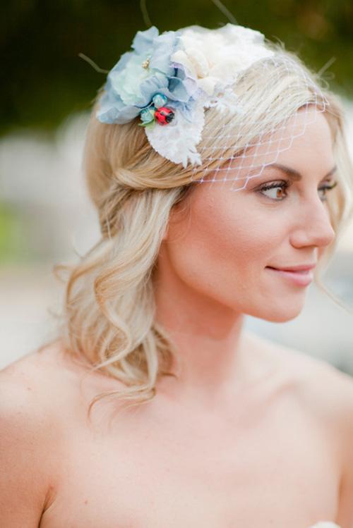 Tóc búi lãng mạn cho cô dâu 2012 - 9