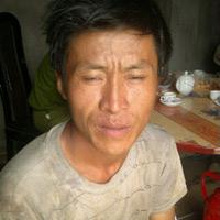 Yên Bái: Sau lở núi, dân lại đổ về mót quặng