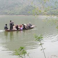 HN: Rủ nhau tắm hồ, 8 nữ sinh chết đuối