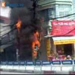Tin tức trong ngày - Hà Nội: Cháy cột điện, người dân hoảng loạn
