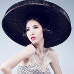 Thời trang - Huỳnh Nu tung hứng với nón quai thao