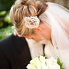 Tóc búi lãng mạn cho cô dâu 2012