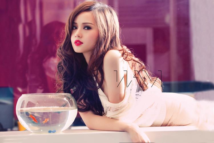 Yến Trang, Tâm Tít đua nhau nóng bỏng - 12