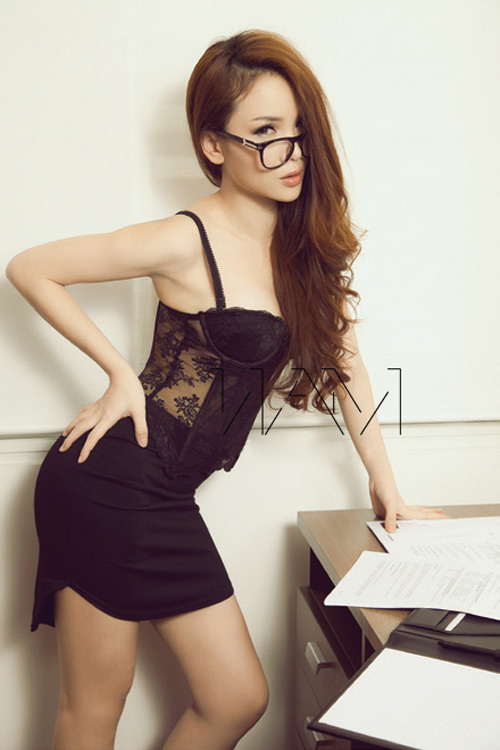 Yến Trang, Tâm Tít đua nhau nóng bỏng - 2