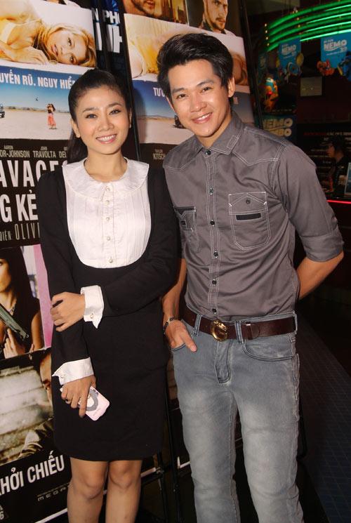 Vương Thu Phương rạng rỡ đi xem phim - 7