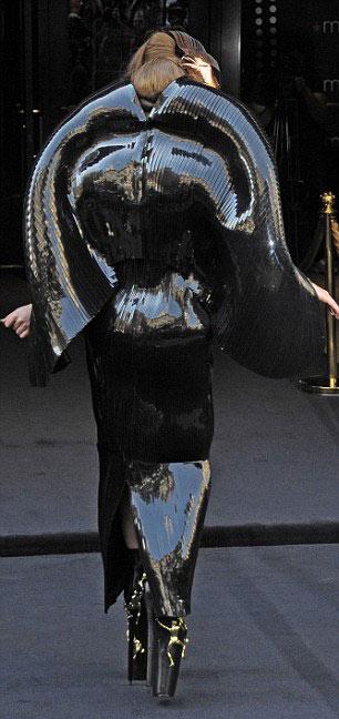 Hết hồn với vẻ kỳ quái của Lady Gaga - 4
