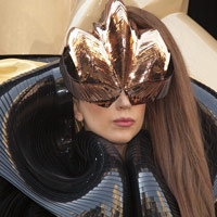 Hết hồn với vẻ kỳ quái của Lady Gaga