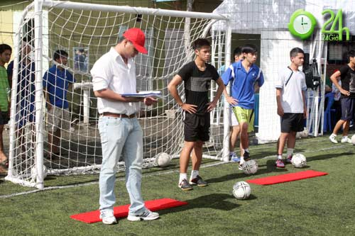 Sinh viên Sài Thành tranh tài Futsal 2012 - 2