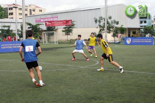 Sinh viên Sài Thành tranh tài Futsal 2012 - 7
