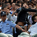 Tin tức trong ngày - 60.000 người TQ biểu tình phản đối Nhật