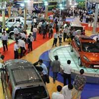 Thị trường ô tô Việt: 9 năm sóng gió