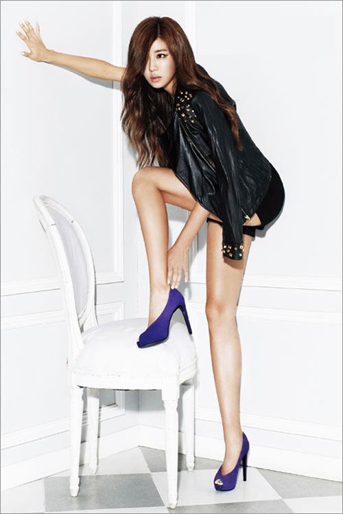Kiều nữ Hàn khoe chân dài siêu mượt - 6