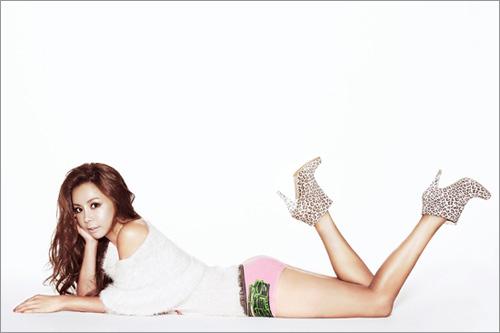 Kiều nữ Hàn khoe chân dài siêu mượt - 8