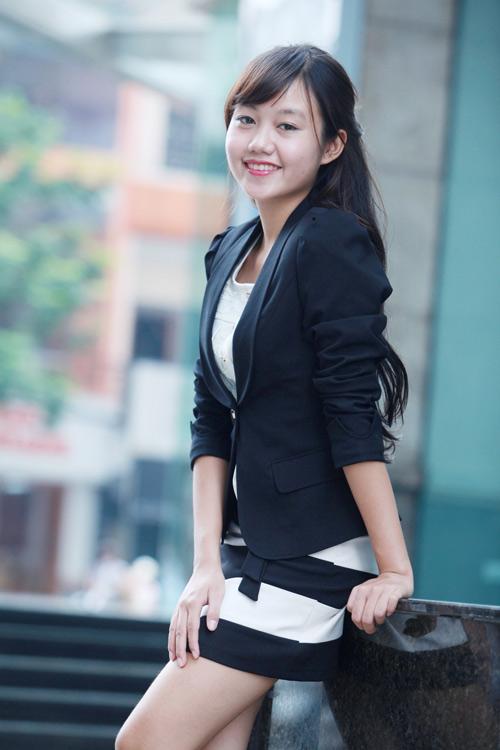 """Mẫu vest nào """"hot"""" nhất Thu 2012? - 9"""