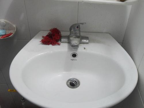 Ở chung cư tiền tỉ, uống nước cực độc - 5