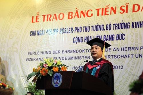 Phó Thủ tướng Đức gốc Việt nhận bằng tiến sĩ danh dự - 4