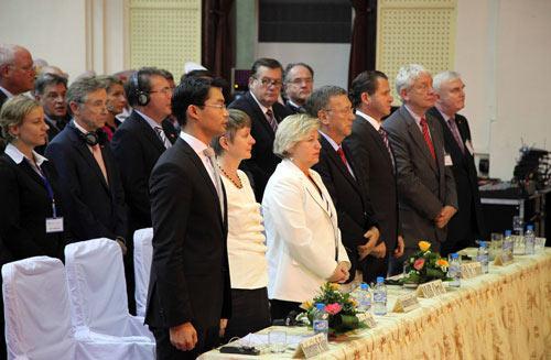 Phó Thủ tướng Đức gốc Việt nhận bằng tiến sĩ danh dự - 2